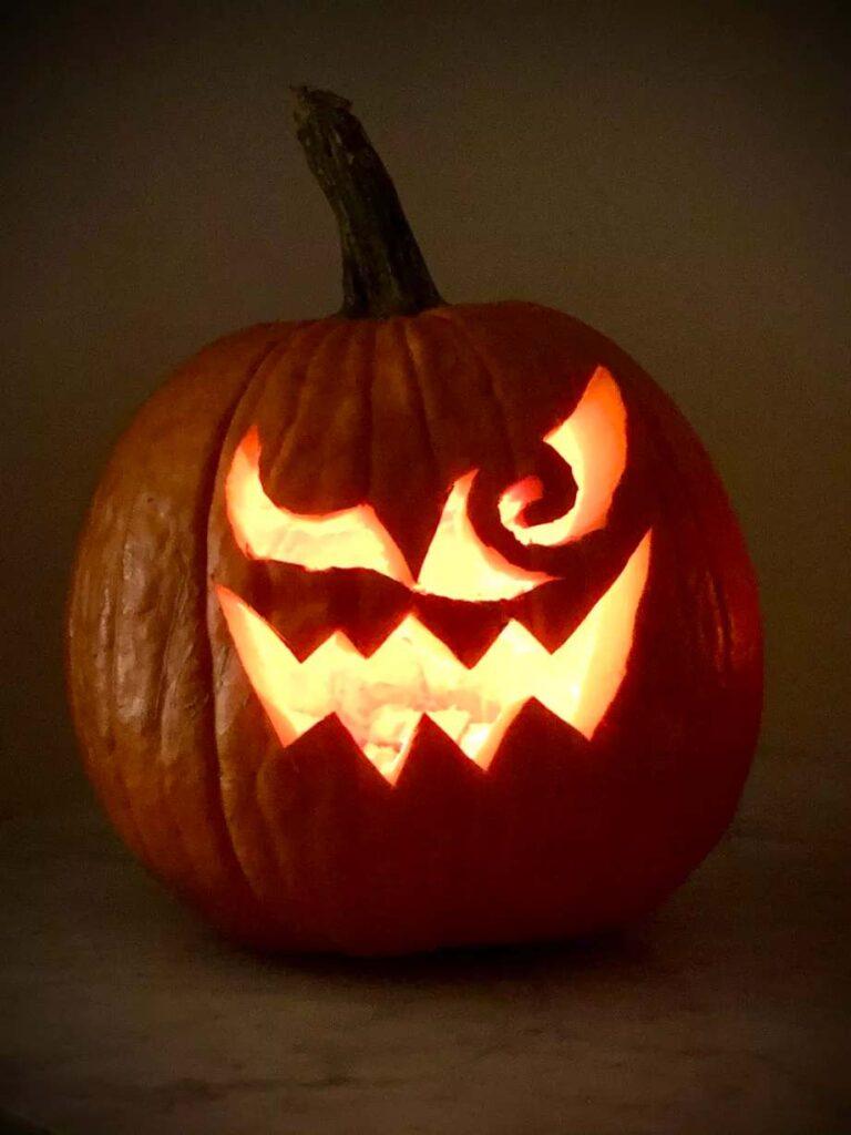 Polygon pumpkin carving halloween ghosts dailytechnic.com